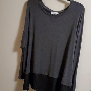 Calvin Klein  pullover  shirt